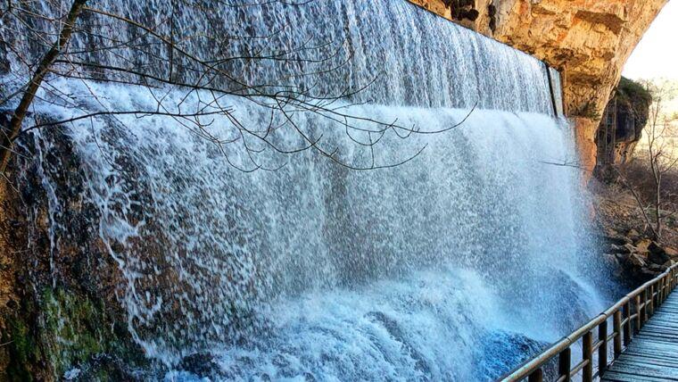 La hoz de Beteta, mezcla de flora centenaria con reconocidas aguas termales y minerales
